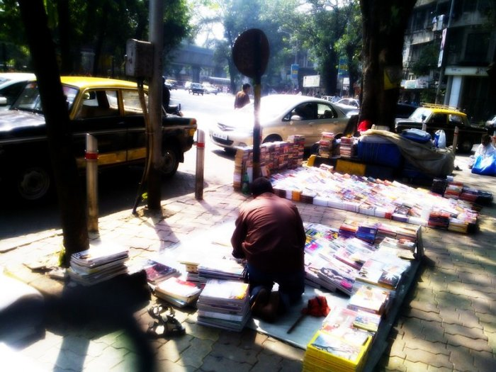 Pavement Bookstalls, King's Circle, Matunga, Mumbai