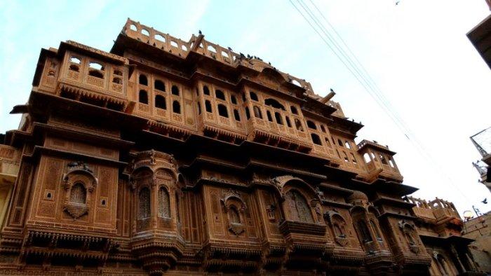 Front facade of Diwan Nathmal ki Haveli