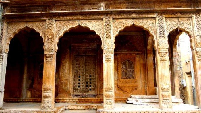 An abandoned Haveli in Jaisalmer