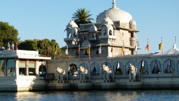 Udaipur, City of Lakes, Lake Pichola, City Palace