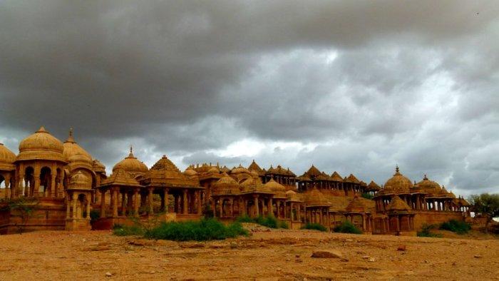 Jaisalmer, Bada Bagh, Royal Cenotaphs