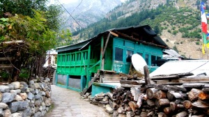 Himachal Pradesh, Woeden house, traditional architecture, Batseri village