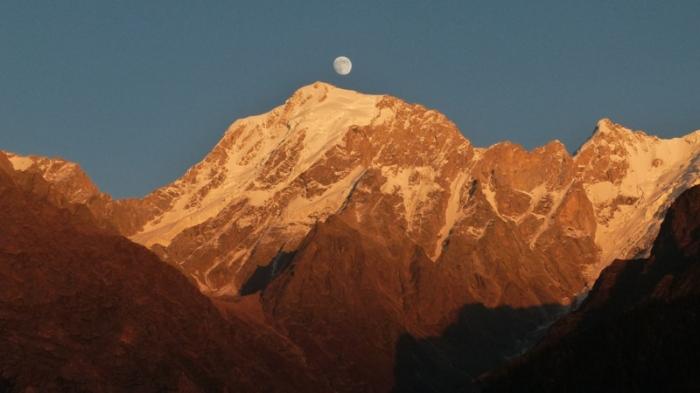 Kinner Kailash, Kalpa, moonrise
