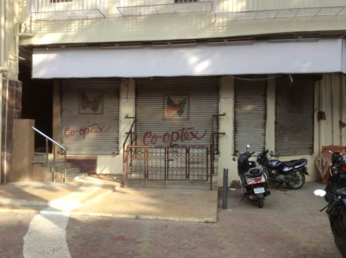 Co-optex has shut down in Matunga. It is just one of the many shops that are shutting down, one by one, and giving way to newer shops.