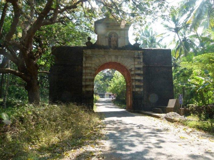Old Goa, Church and Viceroy's Arch, Goa, Travel, Velha Goa, UNESCO World Heritage Site