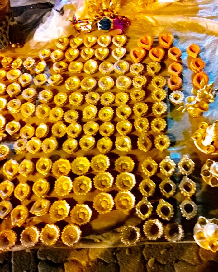Clay diyas, Diwali, metallic paint, Nokia lumia 1020