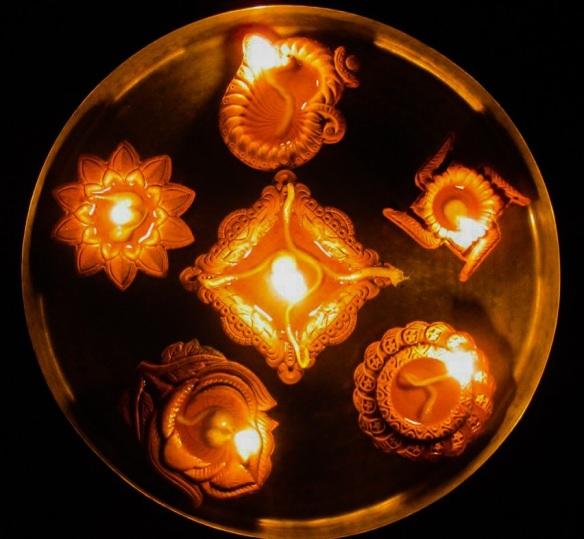 Clay diyas, earthen lamps, Diwali diyas