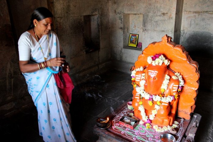 Ganesh Temple at Daulatabad, Woman priest, Daulatabad Fort