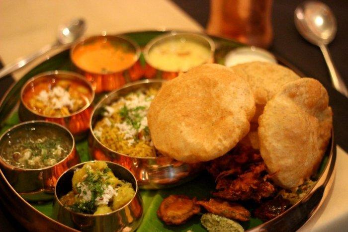 Mejwani Thali, Maharashtrian cuisine, Saee Koranne-Khandekar, Four Points Vashi, Food Festival
