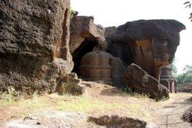 Kplvi Caves, Buddhist Caves, Indian Art, Indian Aesthetics, Mahayana, Rajasthan. Travel, Hadoti Trip, Hadoti, Laterite